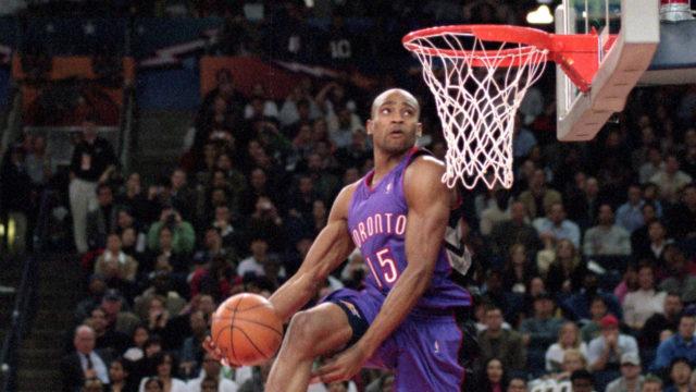Un dunk de Vince Carter chez les Rapotors (Toronto)